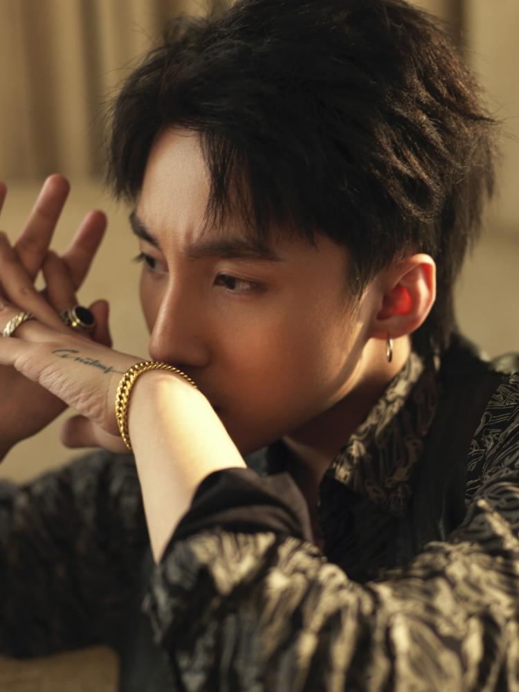 Cứ mỗi phút trôi qua, teaser MV &'Chạy ngay đi' của Sơn Tùng M-TP tăng lên 1000 like đều đặn - Hình 6