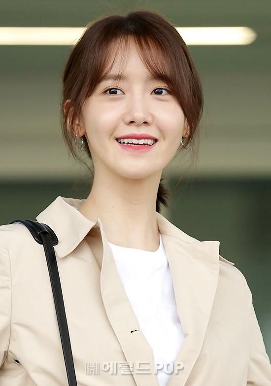 Quân đoàn mỹ nhân Kpop đổ bộ sân bay: Yoona 28 tuổi vẫn đẹp xuất sắc, lấn át TWICE và đàn chị sexy - Hình 9