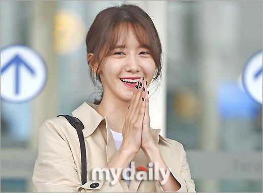 Quân đoàn mỹ nhân Kpop đổ bộ sân bay: Yoona 28 tuổi vẫn đẹp xuất sắc, lấn át TWICE và đàn chị sexy - Hình 6