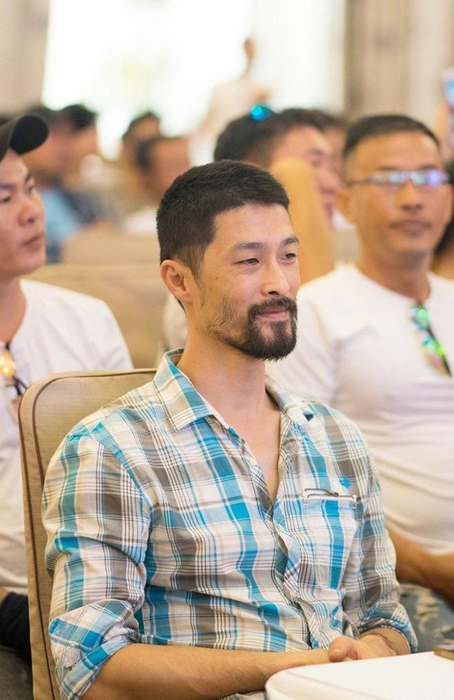 Lý do bất ngờ khiến vẻ điển trai của Johnny Trí Nguyễn xuống dốc - Hình 2