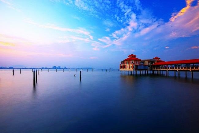 Không phải Thái Lan, đây là những địa điểm du lịch đẹp 'rụng rời' phải đi hè này - Hình 7