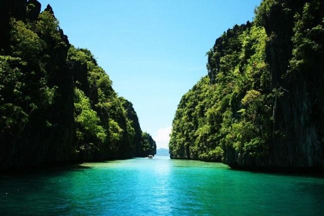 Không phải Thái Lan, đây là những địa điểm du lịch đẹp 'rụng rời' phải đi hè này - Hình 2
