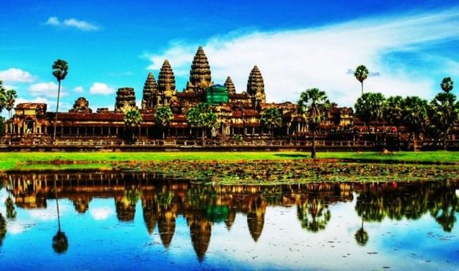 Không phải Thái Lan, đây là những địa điểm du lịch đẹp 'rụng rời' phải đi hè này - Hình 9