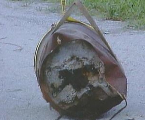 Bí mật trong thùng sắt hé lộ sự thật kinh hoàng sau vụ mất tích bí ẩn 23 năm - Hình 1