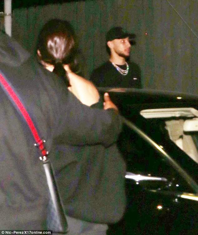 Kendall Jenner xuất hiện cùng bạn trai mới giữa lúc anh dính tai tiếng cắm sừng tình cũ - Hình 2