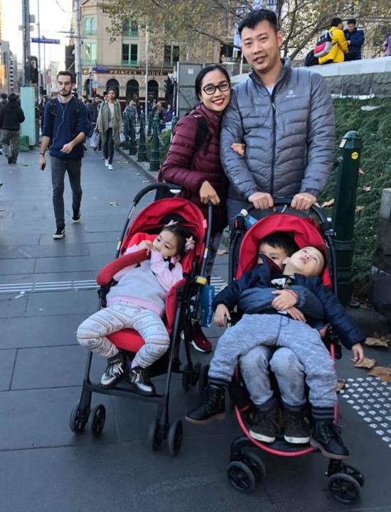 Vợ chồng Ốc Thanh Vân phối hợp canh 3 con khi du lịch Australia - Hình 3