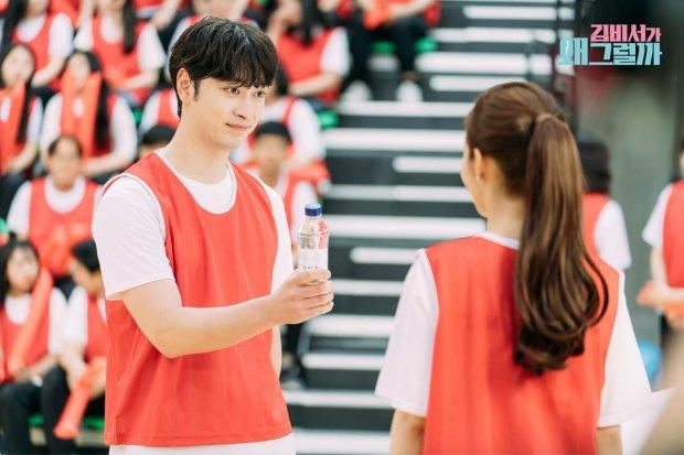 Hoàng tử bạch mã Lee Tae Hwan của Park Min Young đã xuất hiện, Park Seo Joon phải làm sao đây? - Hình 11