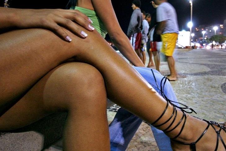Đội quân gái mại dâm đổ xô tới Nga kiếm ăn mùa World Cup - Hình 1