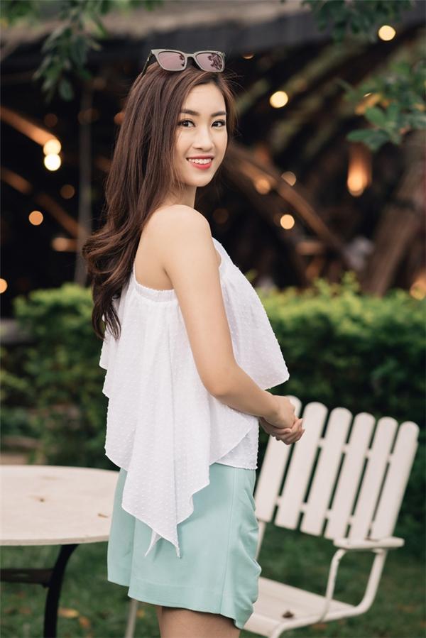 Hé lộ kiểu váy vi diệu giúp Đỗ Mỹ Linh chinh phục hàng triệu fan trong hai năm nhiệm kỳ Hoa hậu - Hình 17