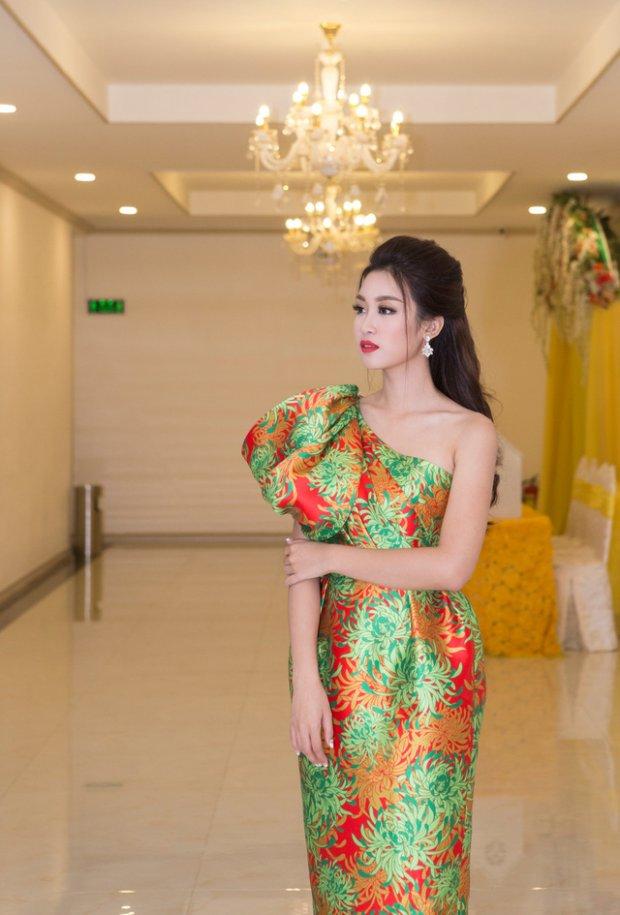 Hé lộ kiểu váy vi diệu giúp Đỗ Mỹ Linh chinh phục hàng triệu fan trong hai năm nhiệm kỳ Hoa hậu - Hình 14