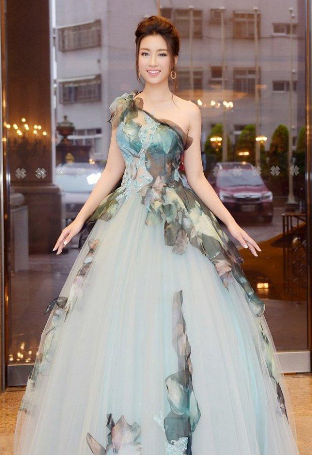 Hé lộ kiểu váy vi diệu giúp Đỗ Mỹ Linh chinh phục hàng triệu fan trong hai năm nhiệm kỳ Hoa hậu - Hình 11