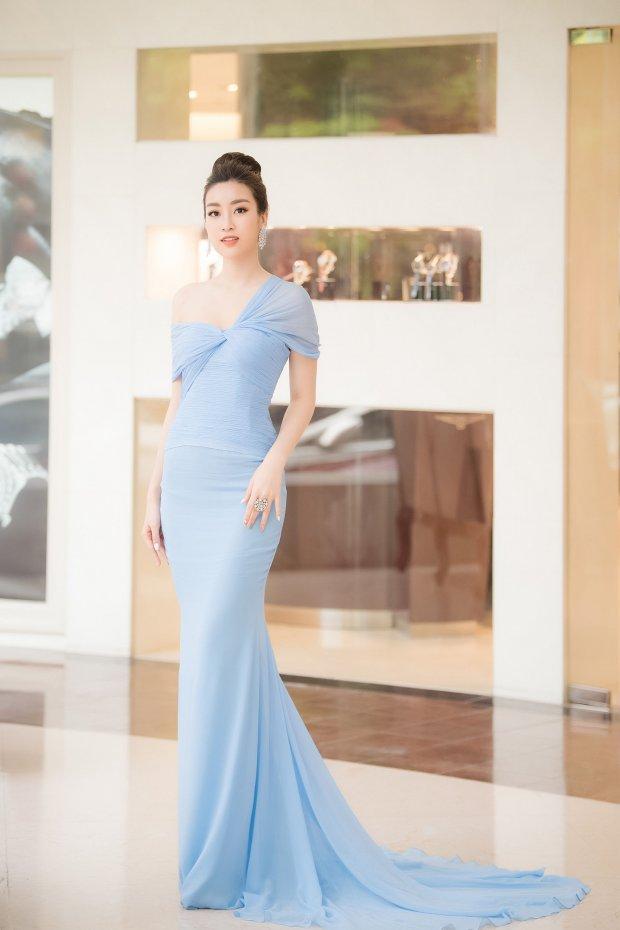 Hóa công chúa với bộ cánh trễ nải, Đỗ Mỹ Linh vô tình vướng nghi án mặc váy nhái sao quốc tế - Hình 1