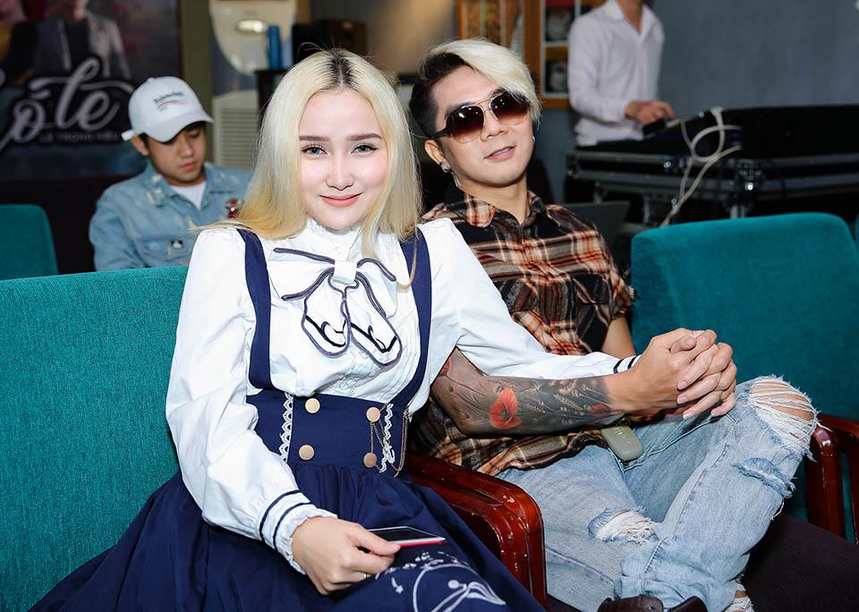 Khánh Đơn công khai bạn gái hot girl kém 8 tuổi sau 2 lần đổ vỡ - Hình 3