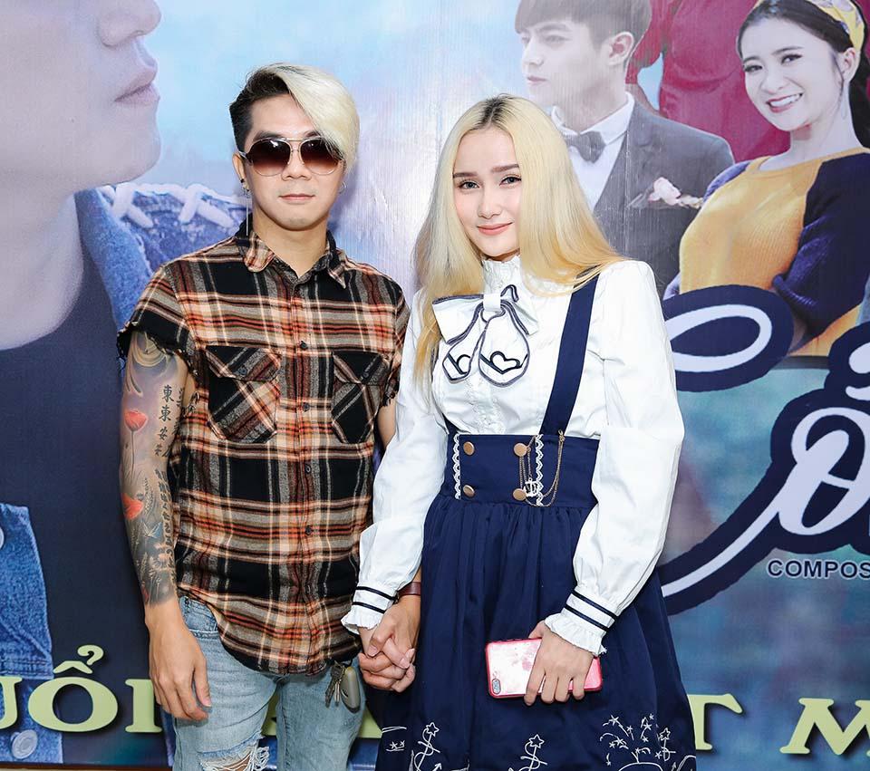 Khánh Đơn công khai bạn gái hot girl kém 8 tuổi sau 2 lần đổ vỡ - Hình 1