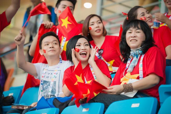 Là fan cuồng của bóng đá, những sao Việt này hẳn sẽ đứng ngồi không yên khi World Cup đang đến gần! - Hình 13