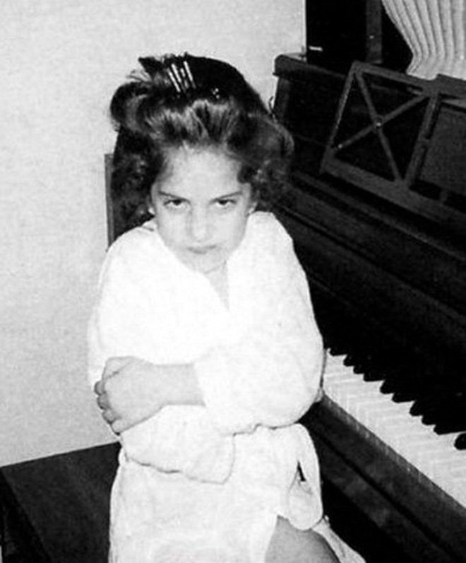 """Lady Gaga: """"Quái vật"""" nổi loạn từng bị cả thế giới quay lưng, quá khứ bị xâm hại tình dục đã tạo nên tượng đài âm nhạc vĩ đại của thế giới - Hình 2"""