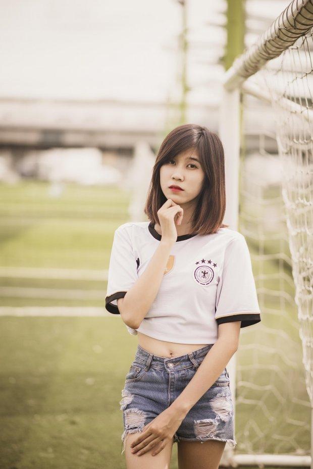 Ngắm nhan sắc tuyệt đẹp của dàn hot girl Việt Nam yêu tuyển Đức - Hình 7