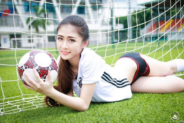 Ngắm nhan sắc tuyệt đẹp của dàn hot girl Việt Nam yêu tuyển Đức - Hình 3