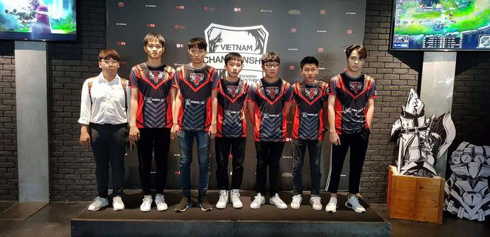 Những hình ảnh áo đấu của 8 đội tuyển tham dự VCSA Mùa Hè 2018, Vikings Gaming - đại diện LMHT Hà Nội lộ diện - Hình 6