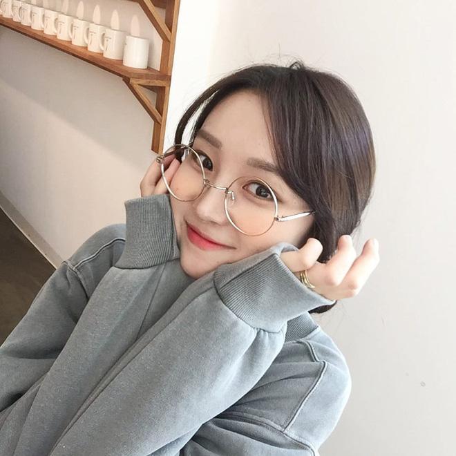 Lâu lắm mới gặp một cô bạn Hàn Quốc dễ thương kiểu tự nhiên như thế này! - Hình 1