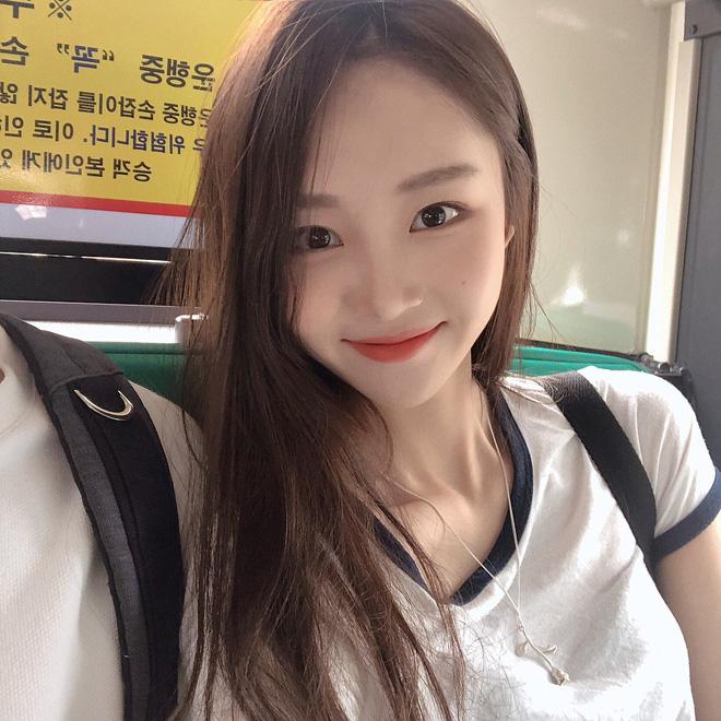 Lâu lắm mới gặp một cô bạn Hàn Quốc dễ thương kiểu tự nhiên như thế này! - Hình 3