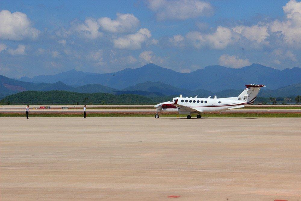 Chuyến bay đầu tiên hạ cánh xuống sân bay quốc tế Vân Đồn - Hình 2