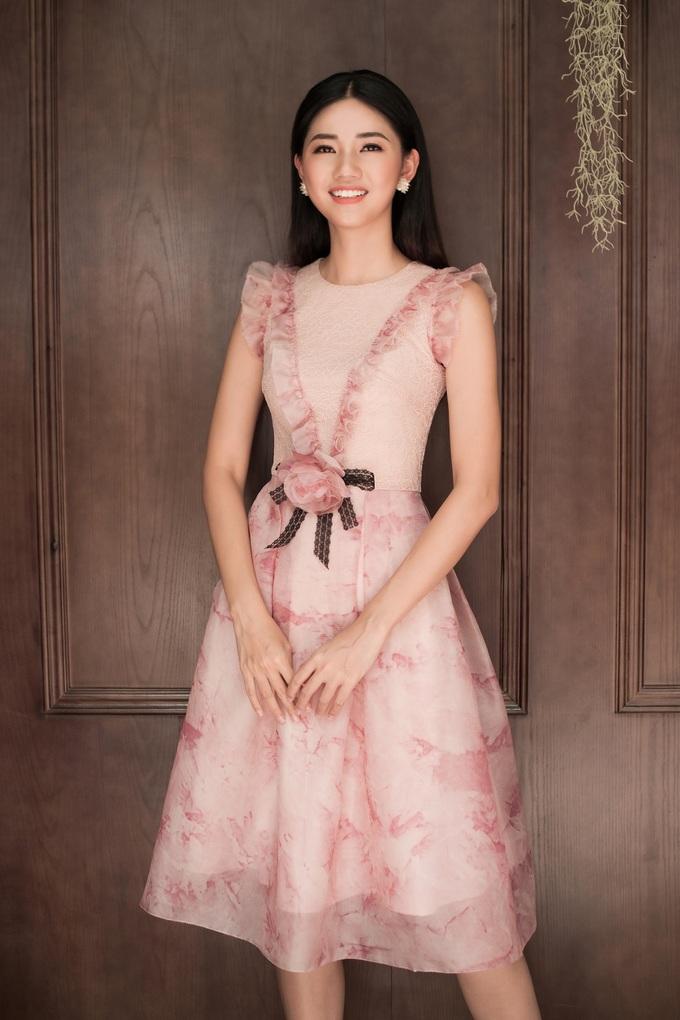 Mỹ Linh – Thanh Tú diện váy ren khoe vẻ xinh yêu - Hình 13