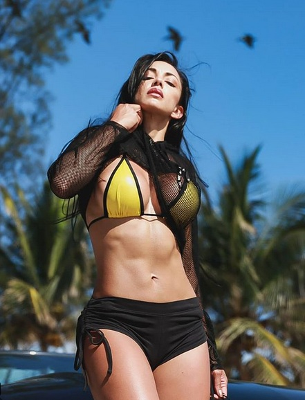 Sở hữu vòng 1 khủng, người đẹp Colombia luôn là tâm điểm mỗi khi xuất hiện - Hình 2