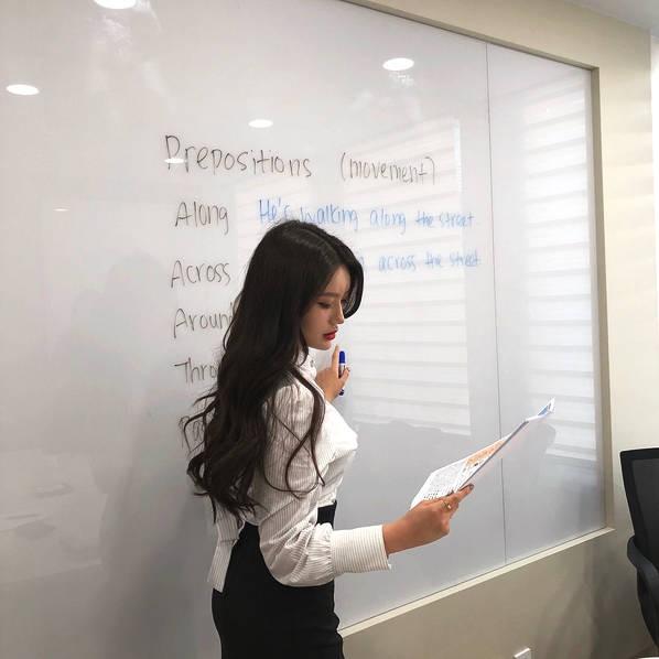 Sarah Kim - Cô giáo dạy tiếng Anh nóng bỏng nhất Hàn Quốc - Hình 2