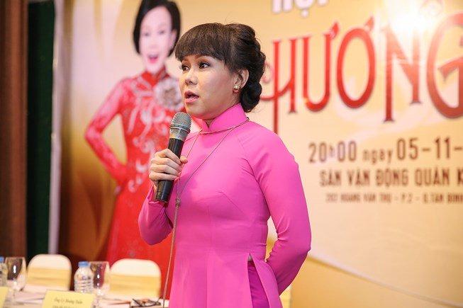 Việt Hương bức xúc tố Huỳnh Anh đẹp trai nhưng không biết điều - Hình 1