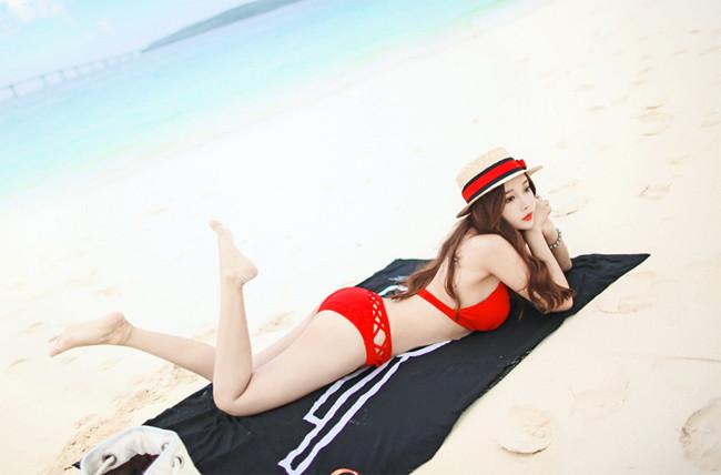 Hot girl diện bikini siêu nóng bỏng khoe vòng 1 căng đầy khiến cánh đàn ông rung động - Hình 10