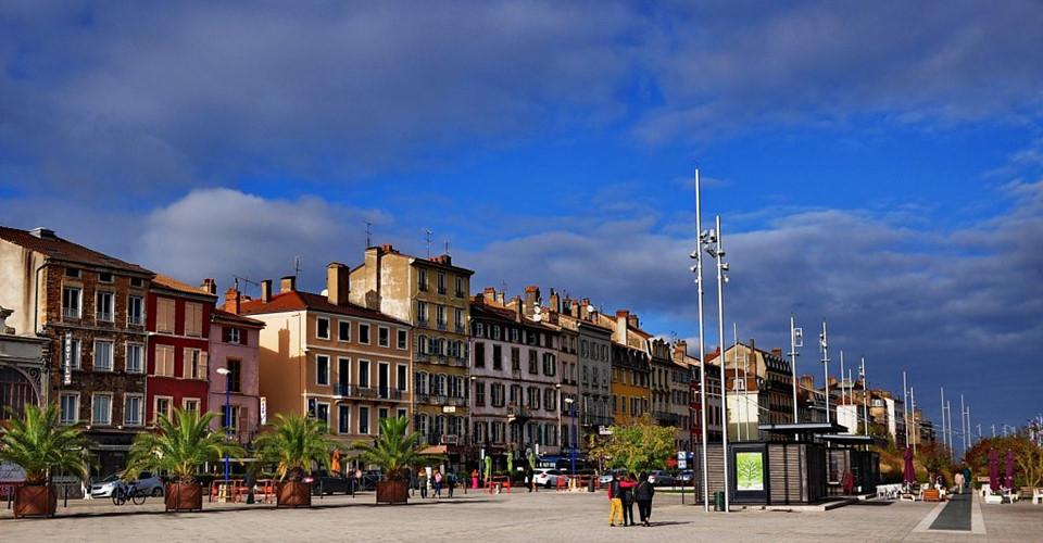 Ngắm quê hương xinh đẹp của Mbappe và các tuyển thủ Pháp - Hình 7