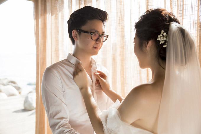 Á hậu Tú Anh khoe ngực đầy trong bộ ảnh cưới đẹp như mơ với chú rể điển trai - Hình 5