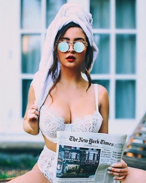 Chelsea Jordan: Nhiếp ảnh gia bốc lửa với bộ ngực hơn 1 mét - Hình 2