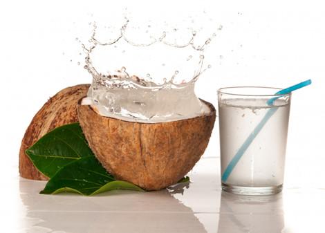 Uống nước dừa tươi pha mật ong mỗi sáng, da dẻ lẫn vóc dáng đẹp lên bất ngờ - Hình 2