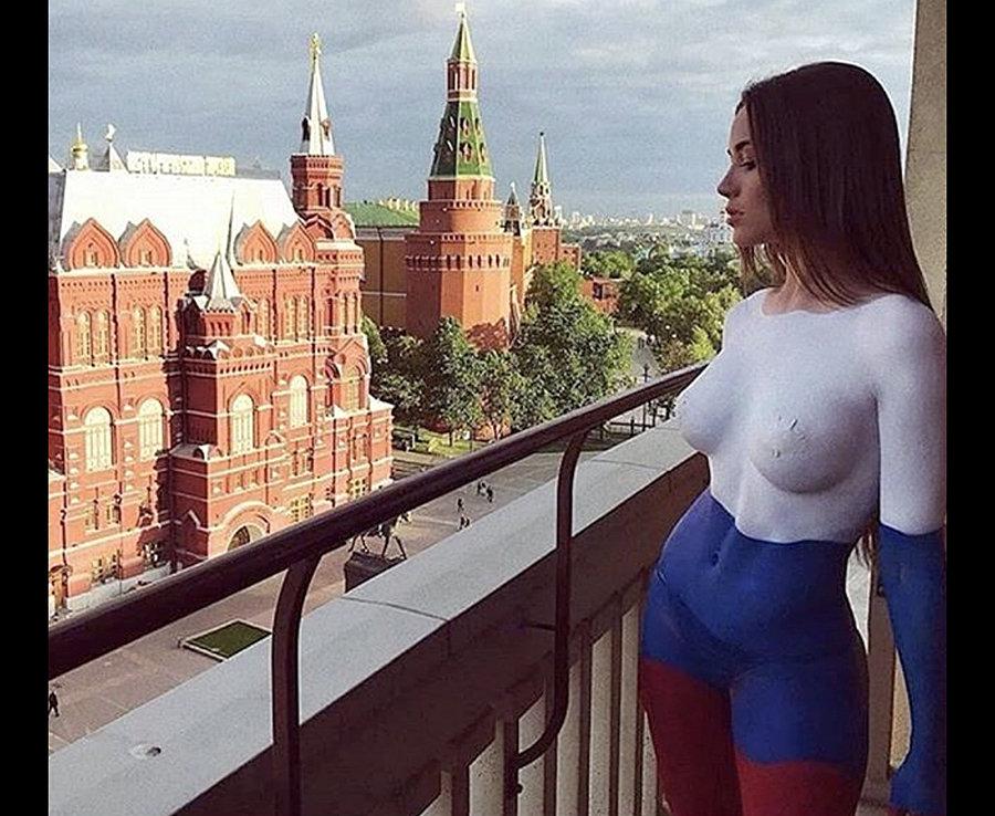 """World Cup: """"Đại chiến nhan sắc"""" giữa các hotgirl sexy nhất ở Nga - Hình 1"""
