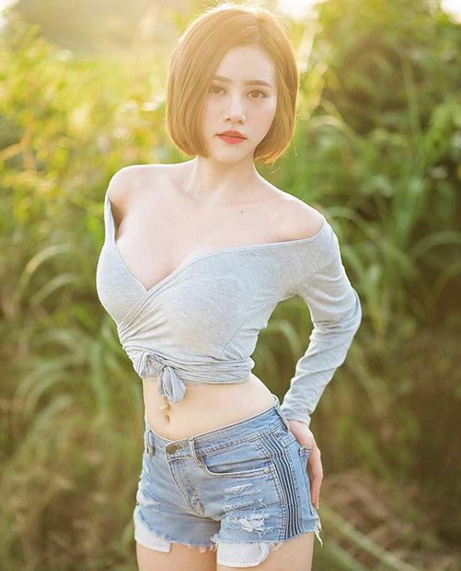 Mỹ nữ bổ dừa, chặt thịt lợn Thái Lan mê mệt áo dây, áo quây gợi cảm - Hình 16