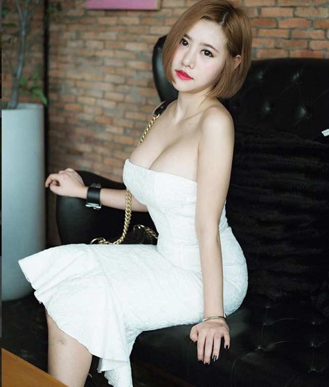 Mỹ nữ bổ dừa, chặt thịt lợn Thái Lan mê mệt áo dây, áo quây gợi cảm - Hình 15