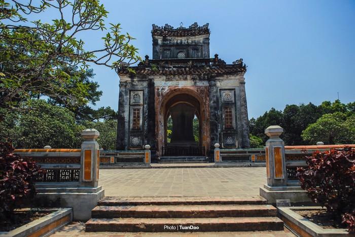 Lăng Mộ Của Vua Có 103 Bà Vợ Ở Việt Nam - Hình 6