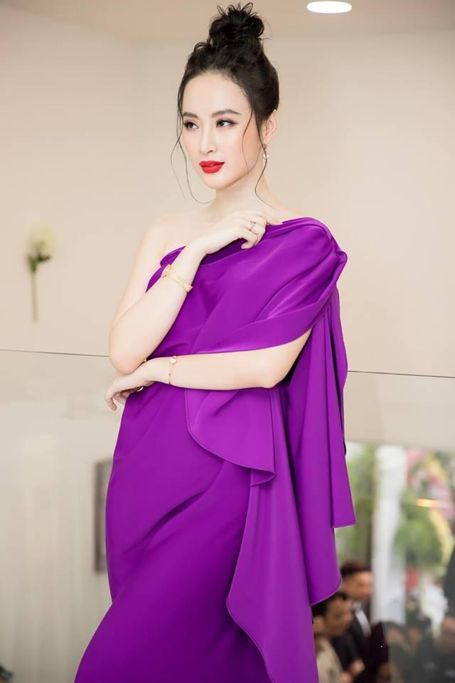 Angela Phương Trinh mặc váy không lộ vòng 3 khủng vẫn đẹp hút mắt - Hình 4