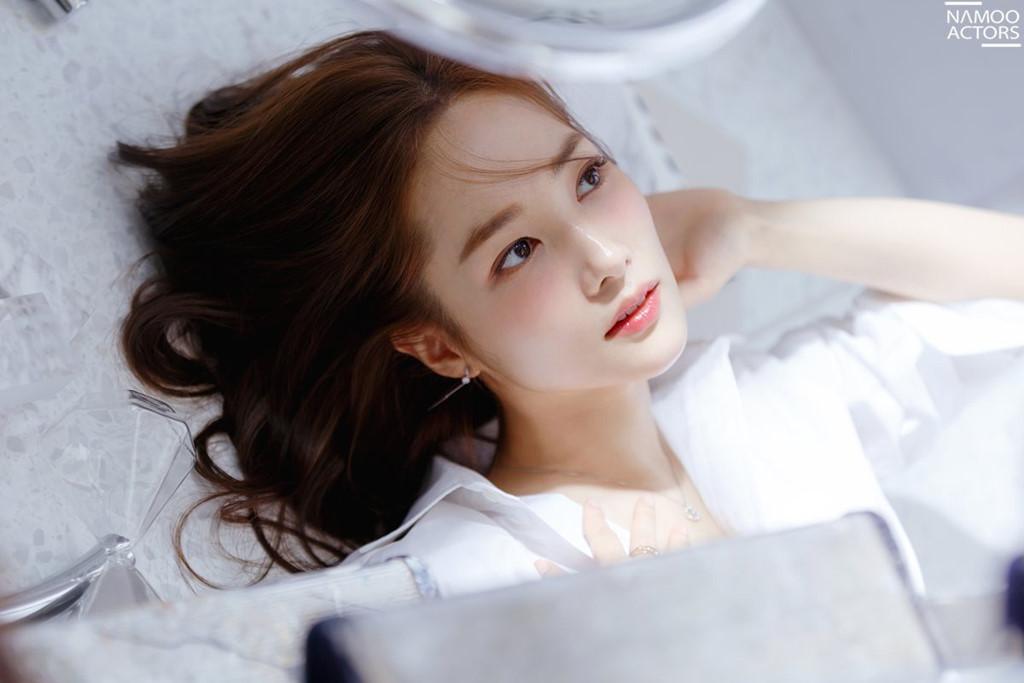 Park Min Young: Nhan sắc 'dao kéo' thành công nhất showbiz Hàn - Hình 7