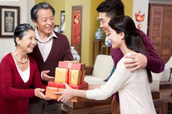 Bí quyết gây ấn tượng tốt trong lần ra mắt bố mẹ chồng tương lai - Hình 2