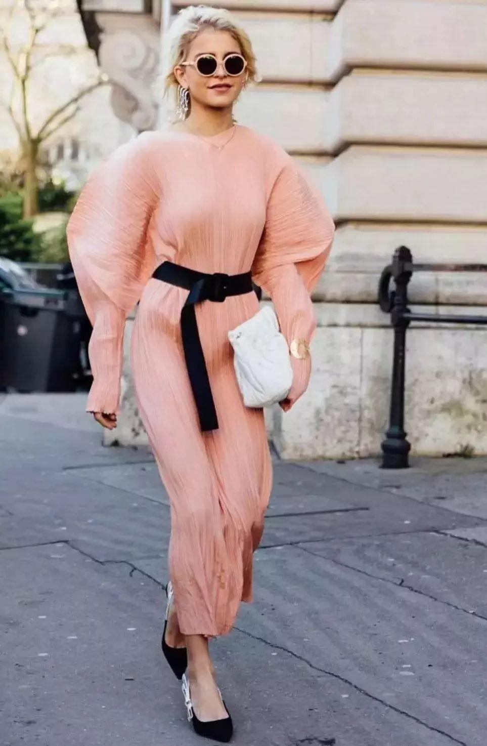 Những chiếc váy chỉ nhìn thôi đã thấy mát, nắng nóng thế này phải sắm ngay - Hình 9
