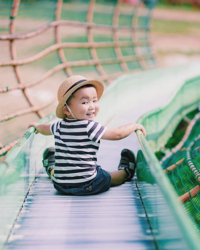 Cậu nhóc Nhật Bản đầu nấm má phính với 1001 biểu cảm không yêu không được - Hình 5