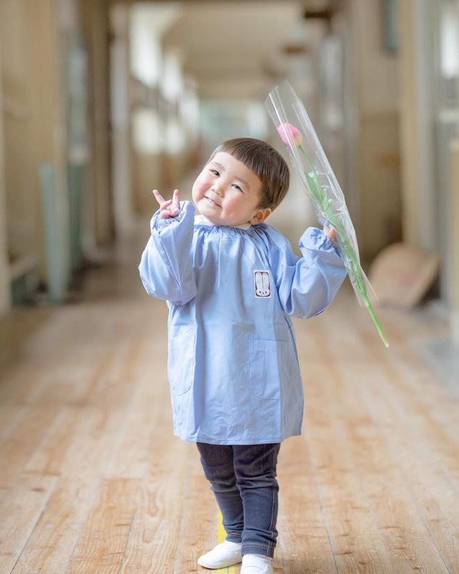 Cậu nhóc Nhật Bản đầu nấm má phính với 1001 biểu cảm không yêu không được - Hình 15