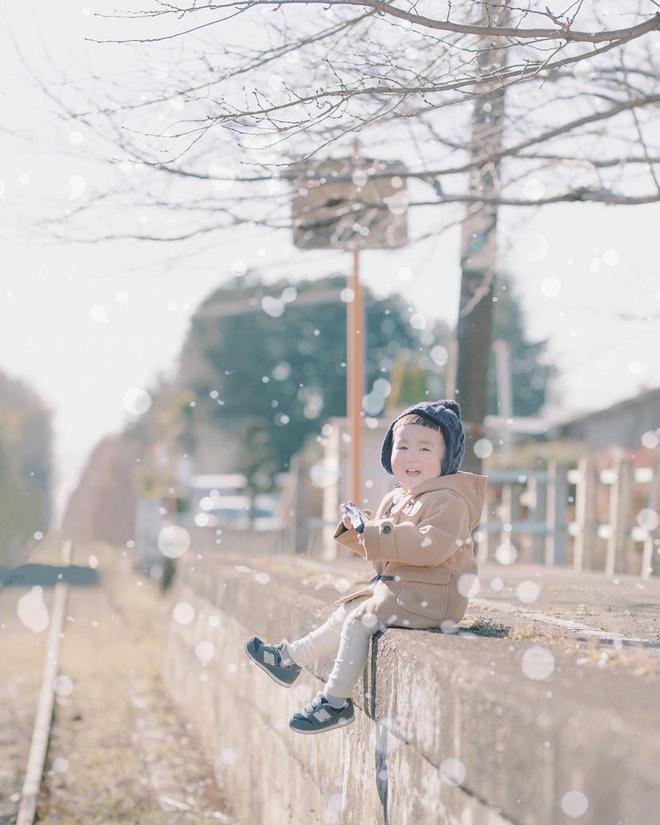 Cậu nhóc Nhật Bản đầu nấm má phính với 1001 biểu cảm không yêu không được - Hình 18