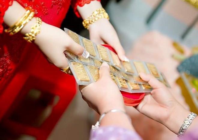 Không trao vàng ngày cưới: Mẹ chồng quá đáng hay con dâu so đo? - Hình 1