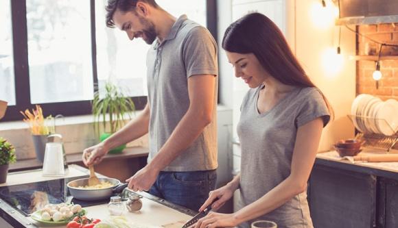 Làm bạn với người yêu cũ sau khi chia tay: Có nên hay không? Và những quy tắc nhất định phải nhớ - Hình 1