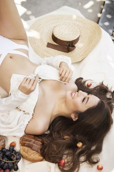 Á hậu Yan My khoe 3 vòng nóng bỏng với bikini - Hình 9