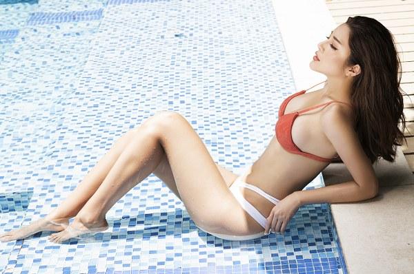 Á hậu Yan My khoe 3 vòng nóng bỏng với bikini - Hình 2